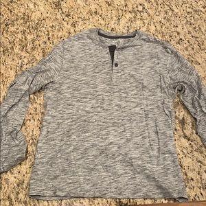 Men's medium old navy long sleeve shirt
